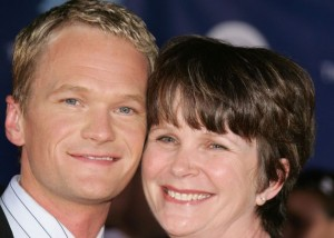 414953673c9d7 Neil Patrick Harris and mom You want to shove those words ...